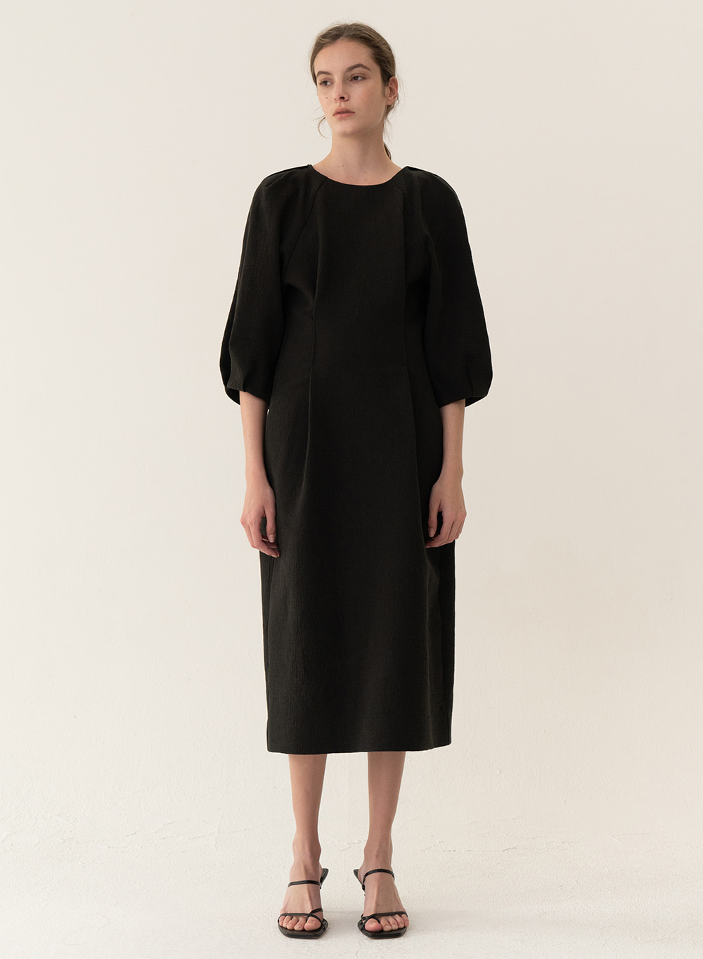 [ESSENTIAL] Cocoon Silhouette Dress Black
