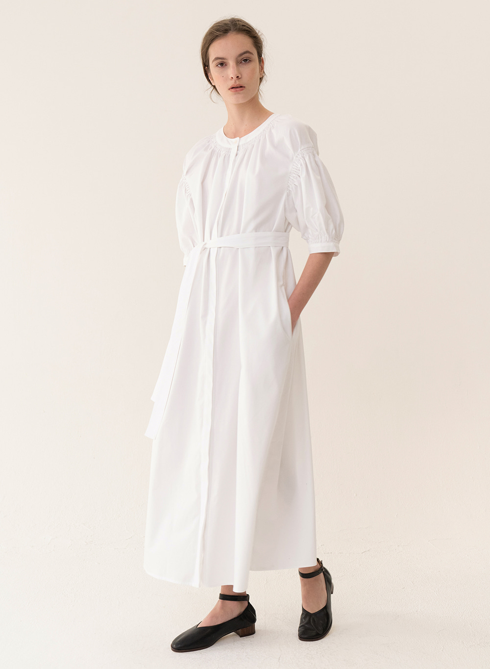 [ESSENTIAL] Original Balloon Dress White