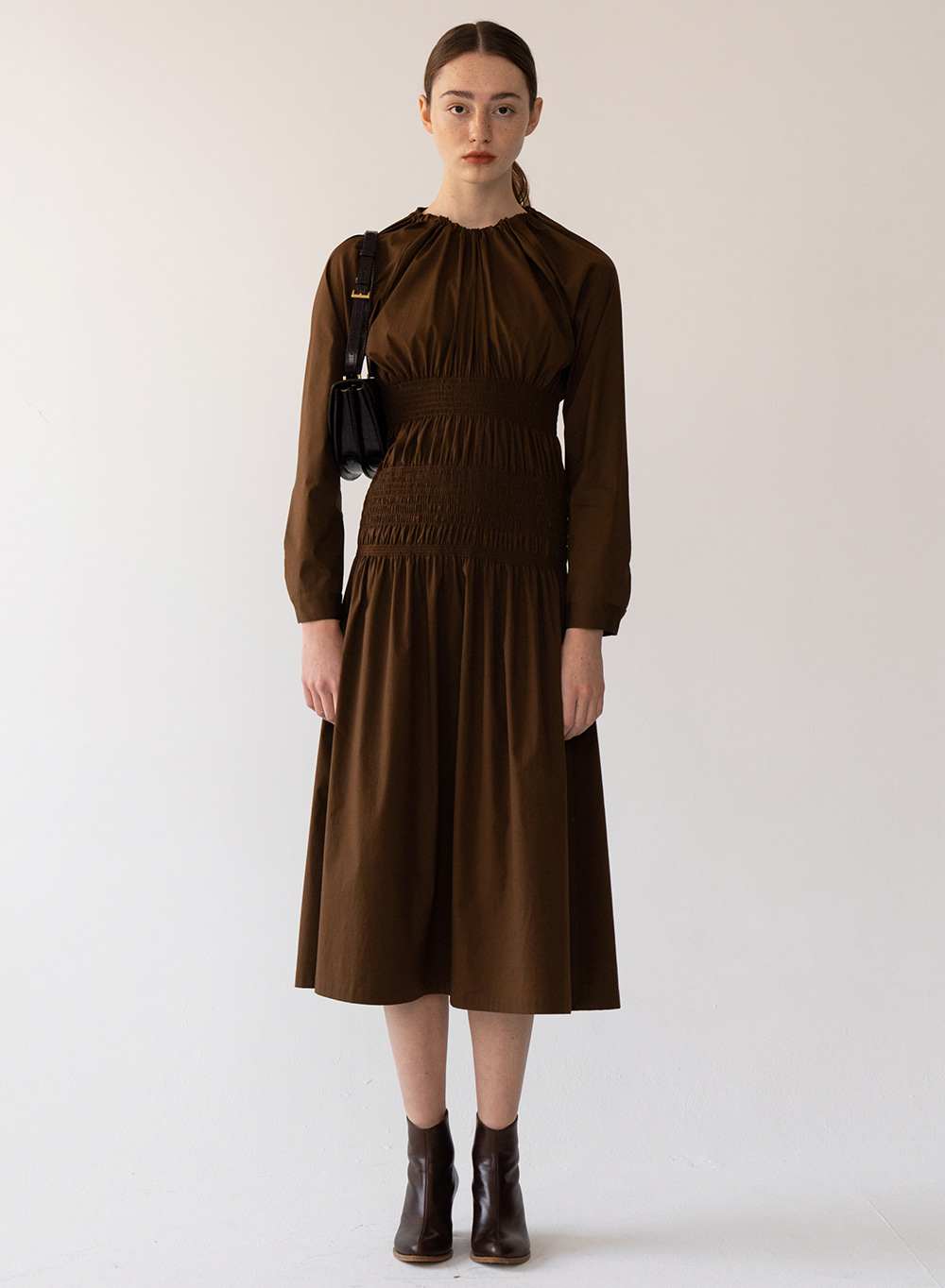 [FW20 ESSENTIAL] Double Smocked Dress Chocolate