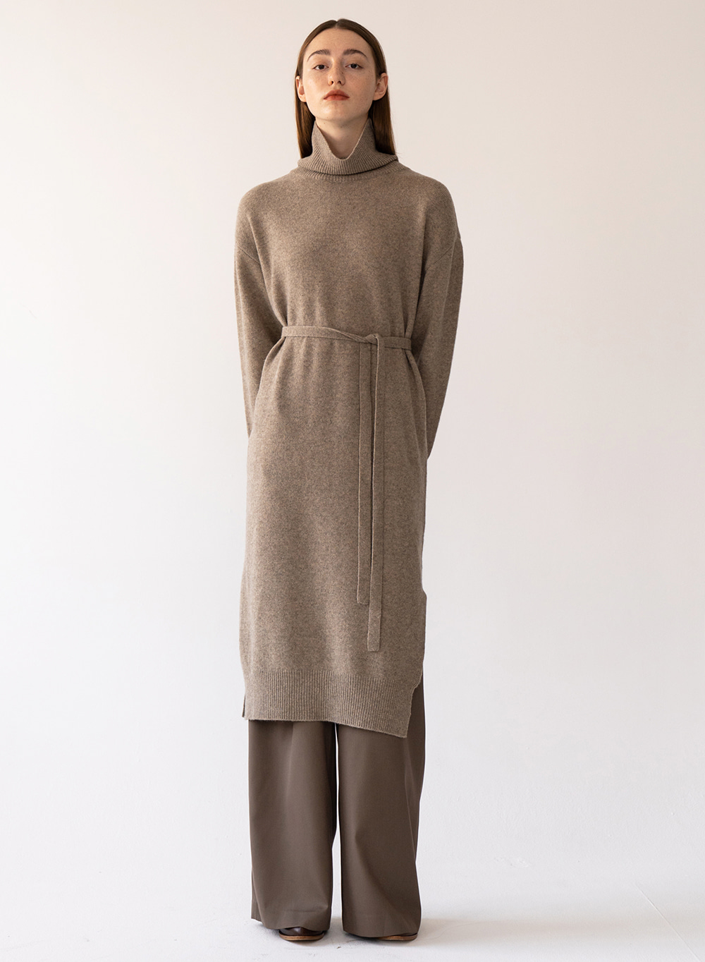 [예약배송][FW20 ESSENTIAL] Turtleneck Knitted Dress Woody