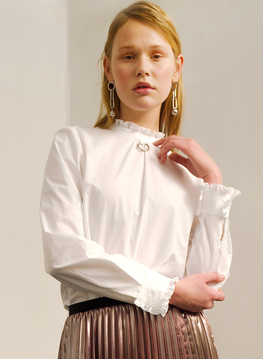 SS17 HIGH NECK FRILL SHIRT