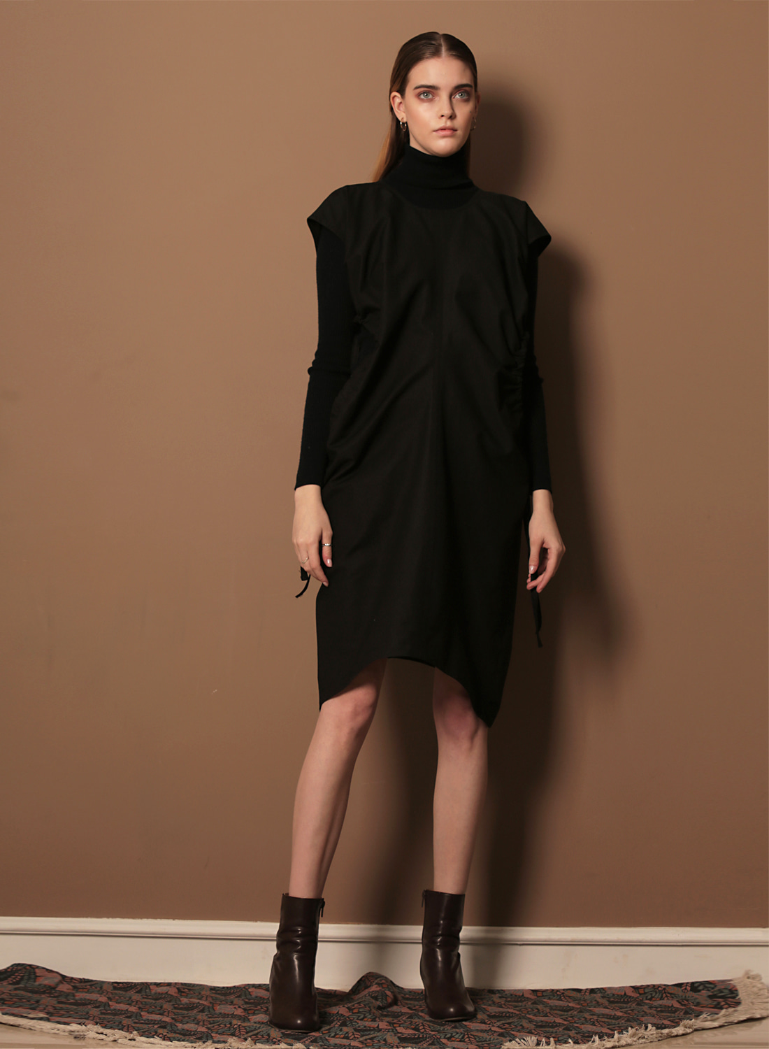 FW17 GATHER DRESS BLACK