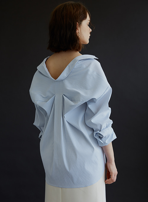 BACK DRAPING SHIRT BLUE