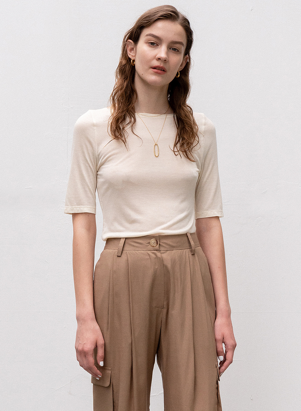 [ESSENTIAL] Modal Boat Neck Top Light-beige
