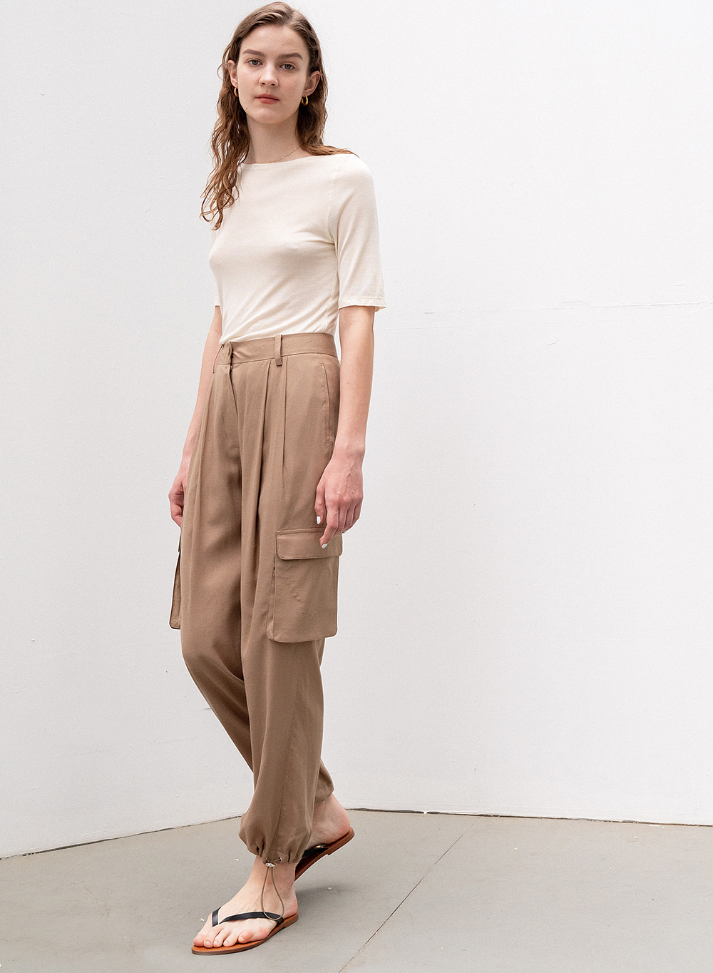 [ESSENTIAL] DRAWSTRING JOGGER PANTS BROWN