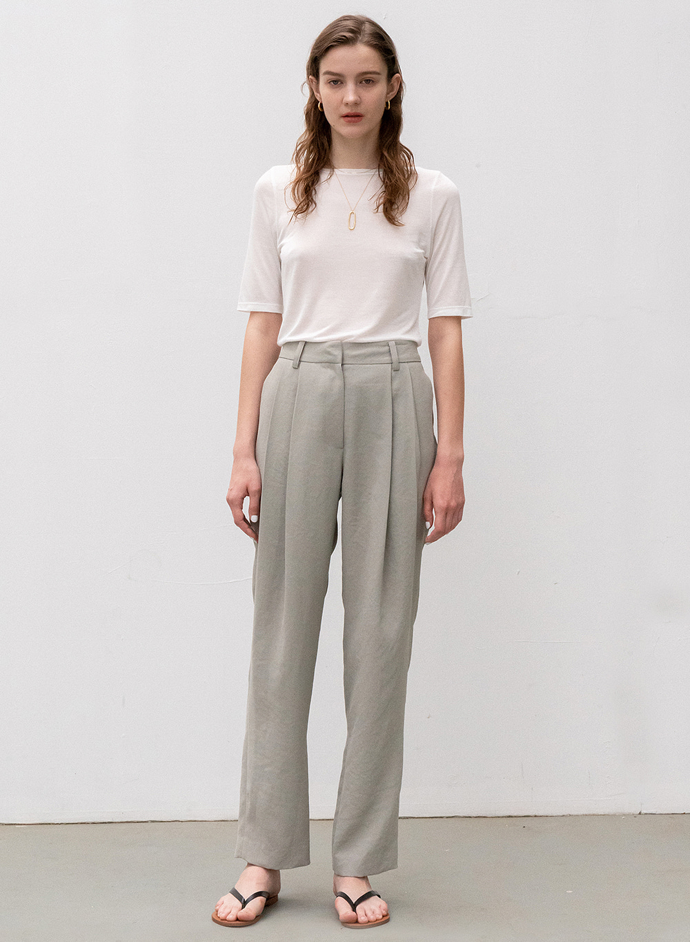 [ESSENTIAL] WRINKLE-FREE MATERIAL TUCK STRAIGHT PANTS MINT