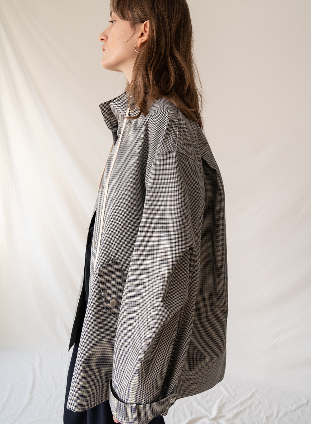 FW19 Check short field jacket gray