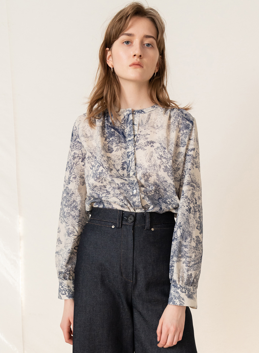 FW19 Printed Shirring Blouse Blue