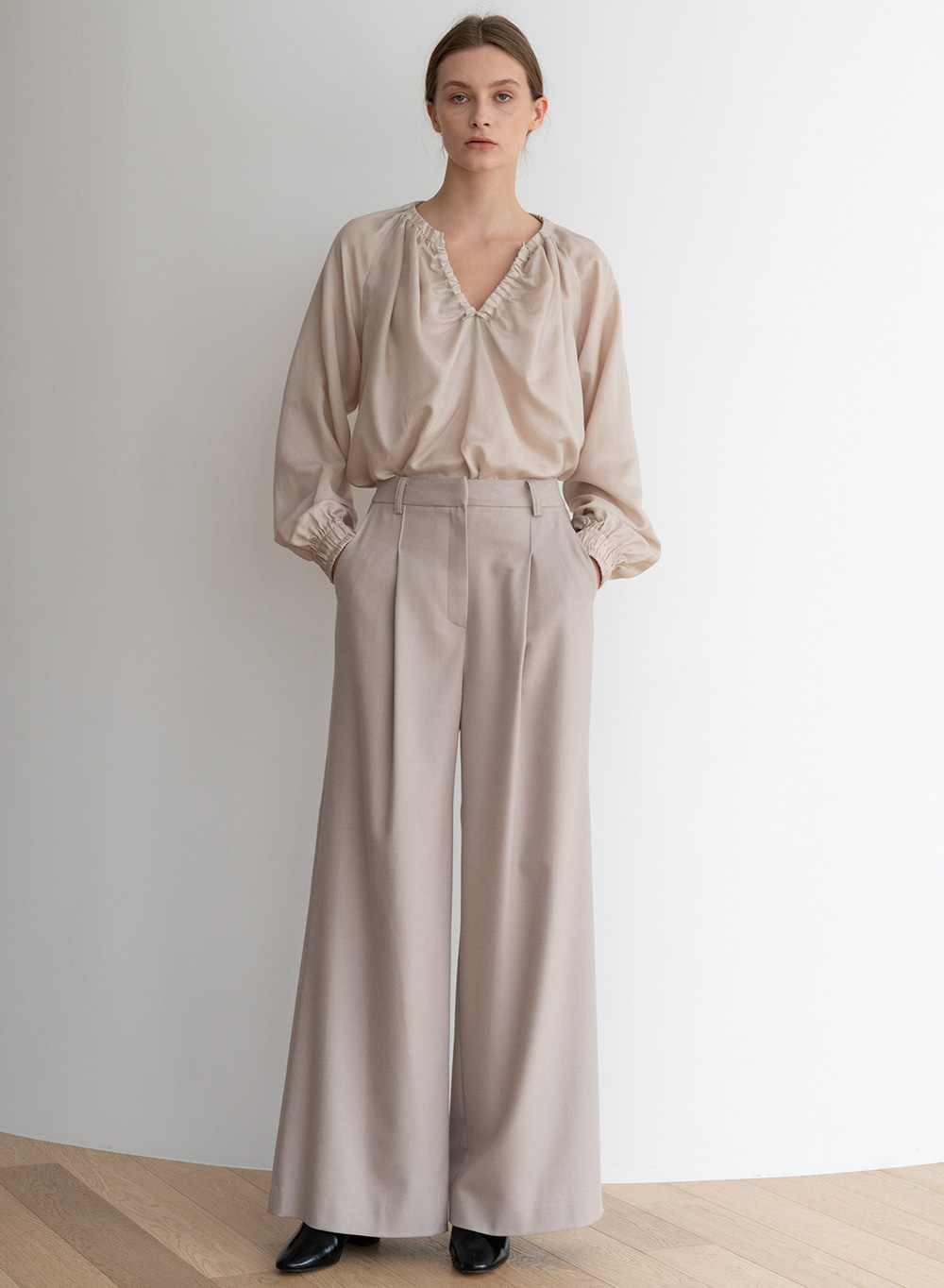 [ESSENTIAL] Wool Wide Pants Beige
