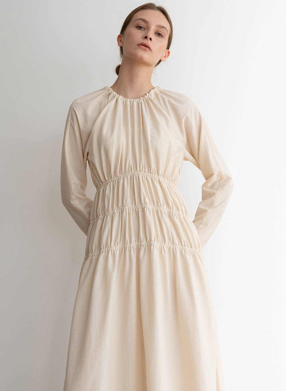 [ESSENTIAL] Shirring Dress Cream