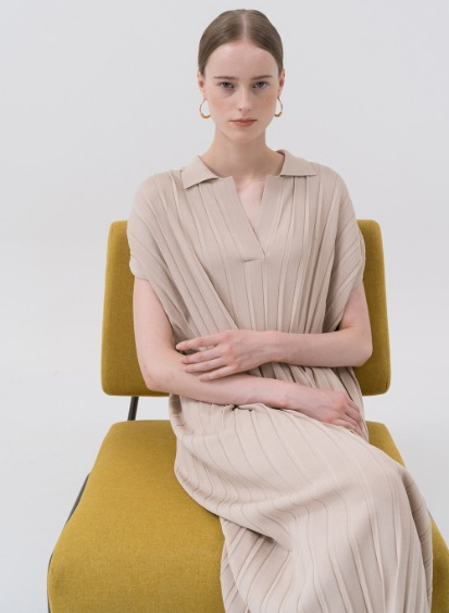 SS20 Pleated Knit Dress Beige