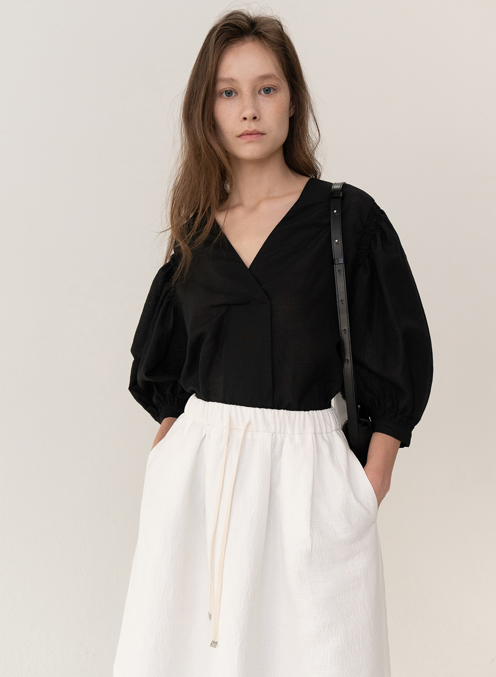 [ESSENTIAL] Balloon Blouse Black