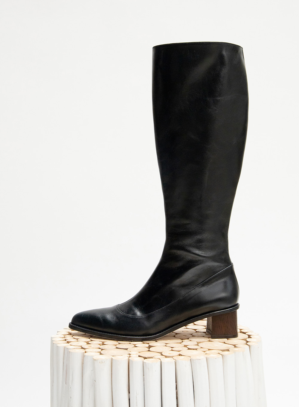 FW20 Leather Knee Boots Black