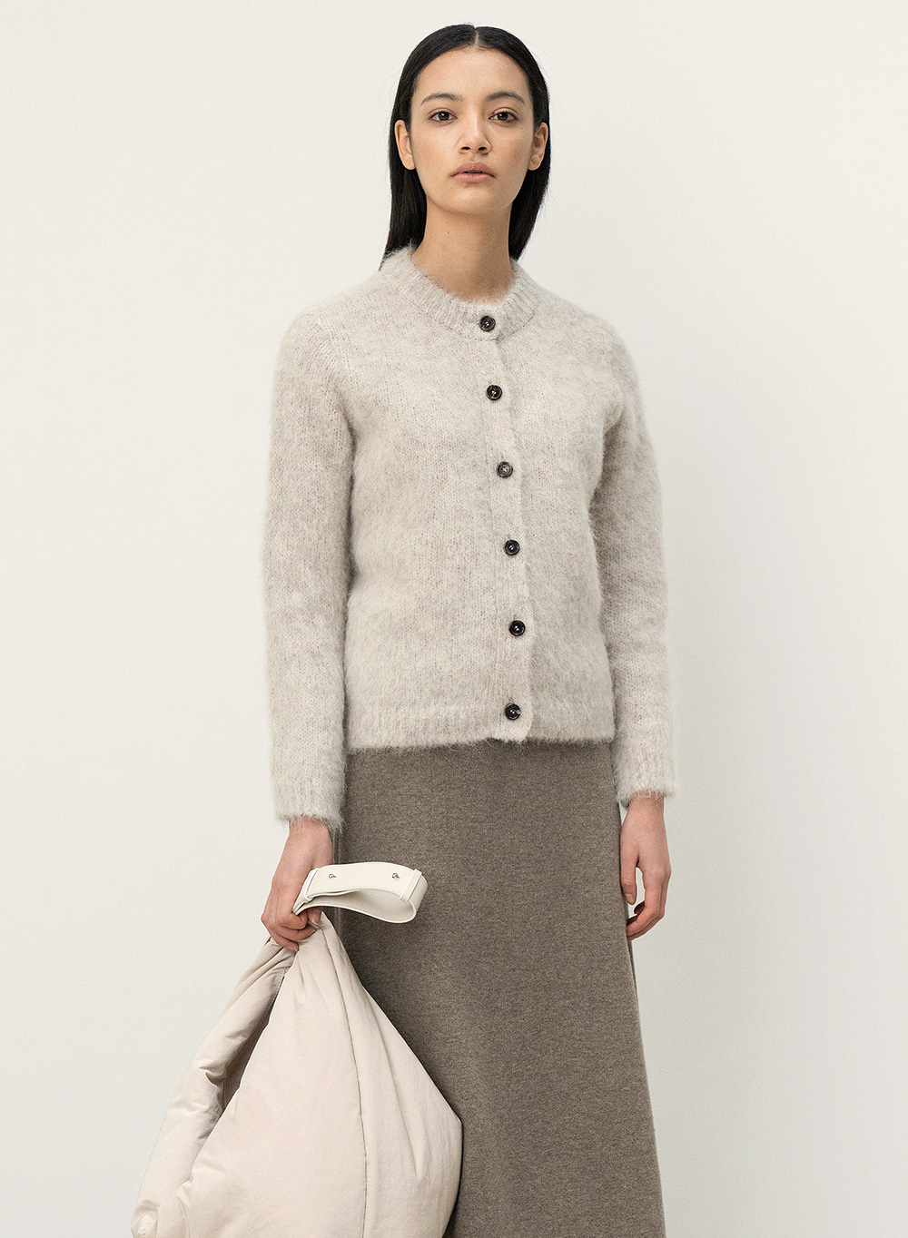 [11월2일 순차배송]FW20 Rough Touched Alpaca Cardigan Cream