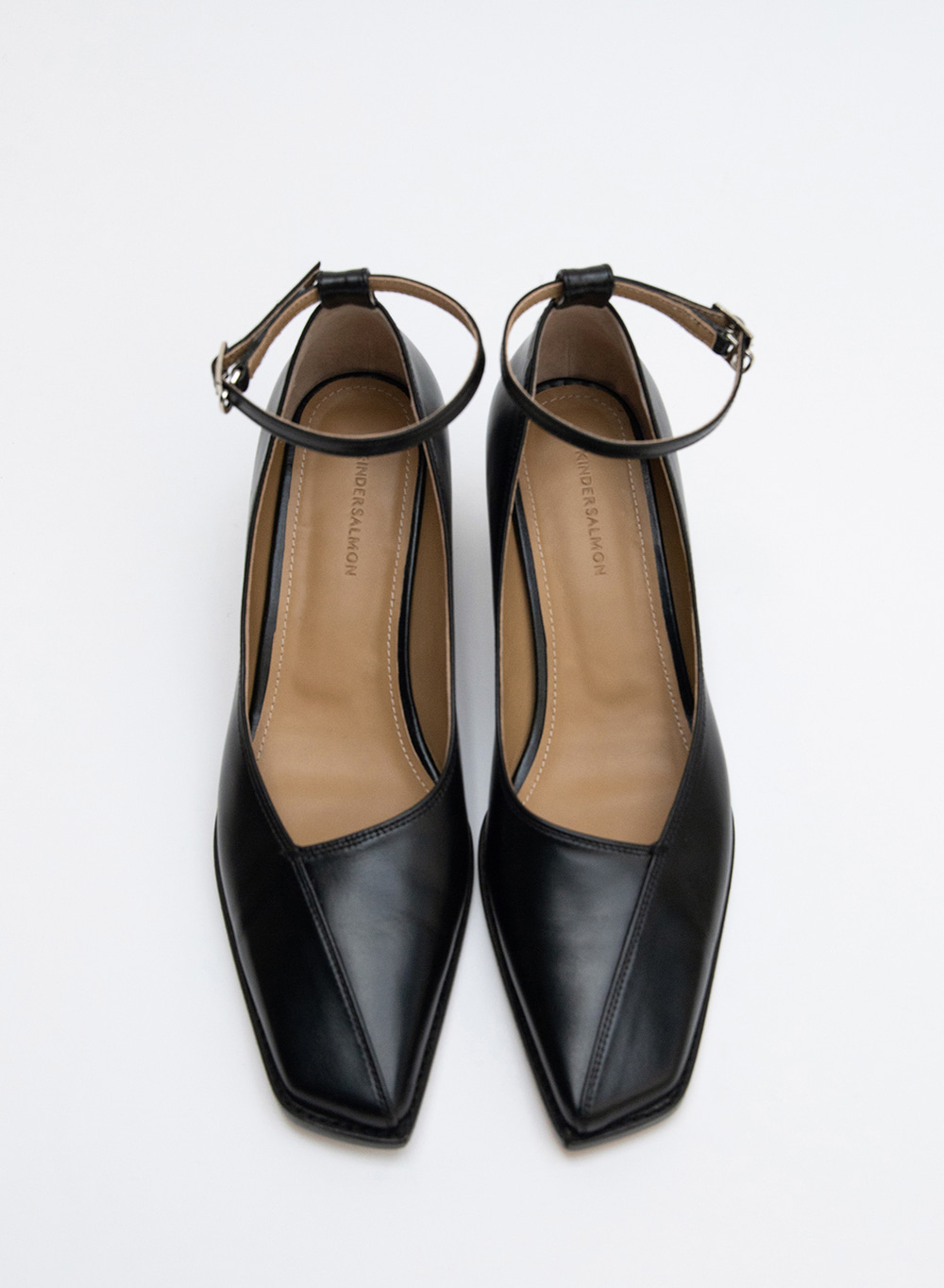 FW20 누 오블리크 Nuoy Oblique Strap Pumps Black